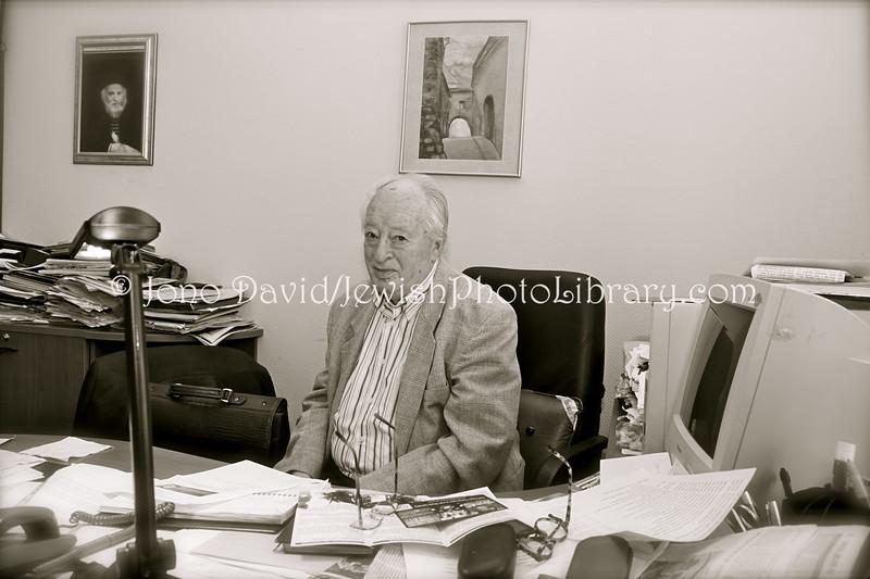 LT 2536  Dr  Simon Alperovich, president, Vilnius Jewish community