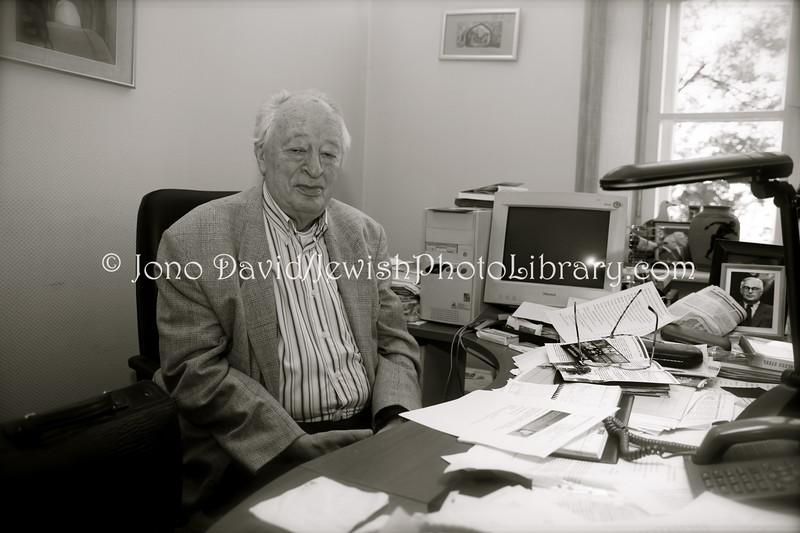 LT 2535  Dr  Simon Alperavicius, president, Vilnius Jewish community
