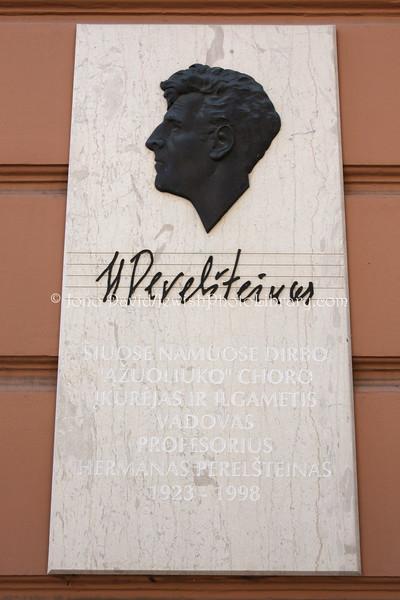 LT 2524  Professor Herman Perelstein, head of the Azuoliukas boys' choir, at the Teachers' House (corner of Vilniaus and Palangos Streets)