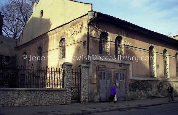 POL 2:10  Kuda Synagogue