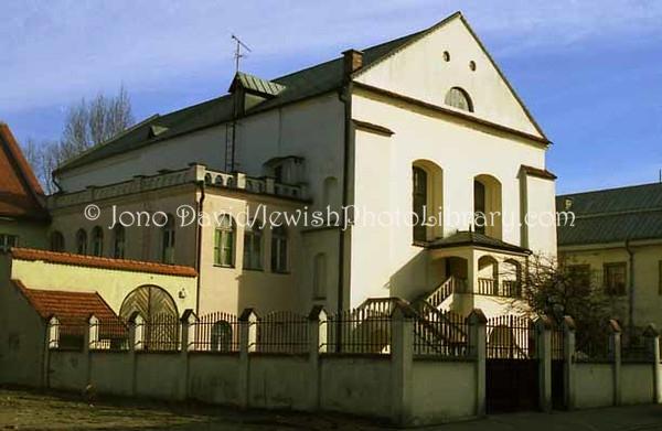 POL 2:9  Isaac Synagogue