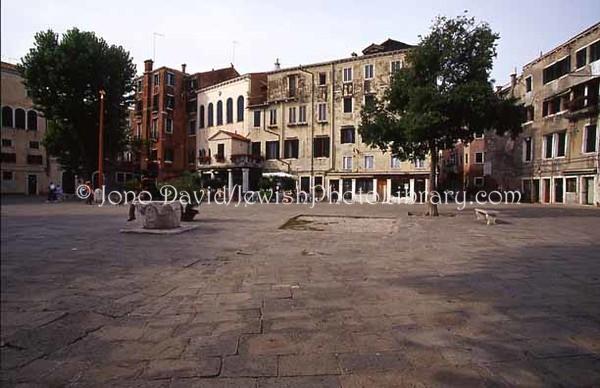 WE 1992  Gheto main piazza