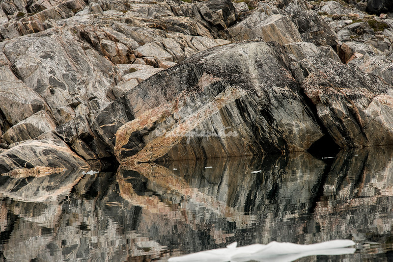 Images and reflections of the rocks