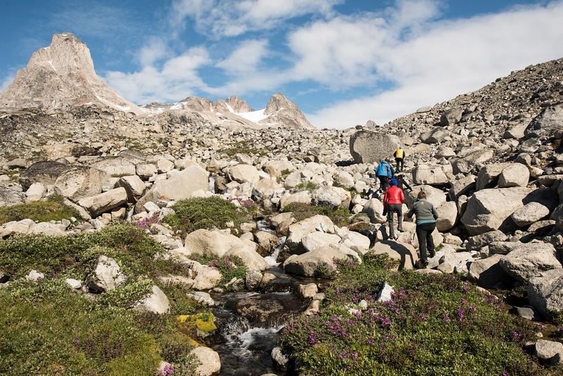 Hiking in the Nialigaq area, Ikasagtivaq Fjord