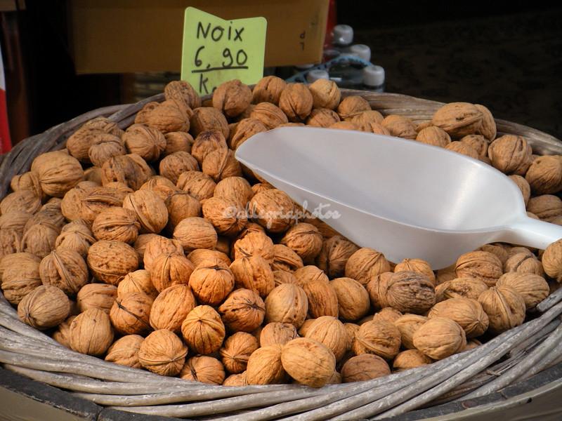 Walnuts, Paris Street Market