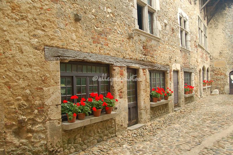 Perrouges doors and windows