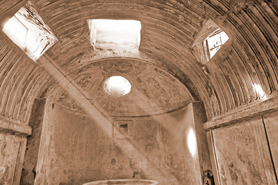 Caldarium des thermes du Forum de Pompei. Edifiés au 1er siècle avant JC, ils furent les seuls à continuer de fonctionner après le tremblement de terre de 62