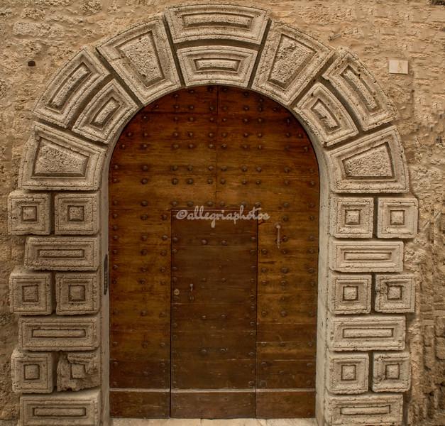 Door, Civitella del Tronto, Abruzzo