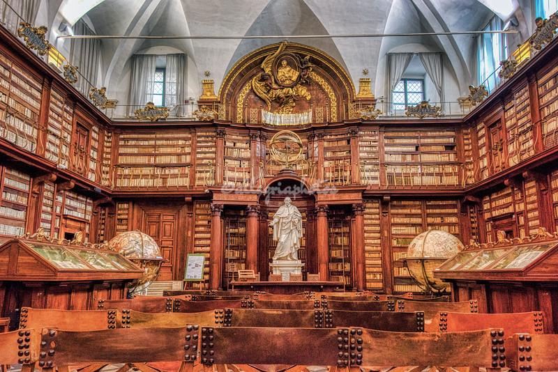 Biblioteca Castanatense, Rome