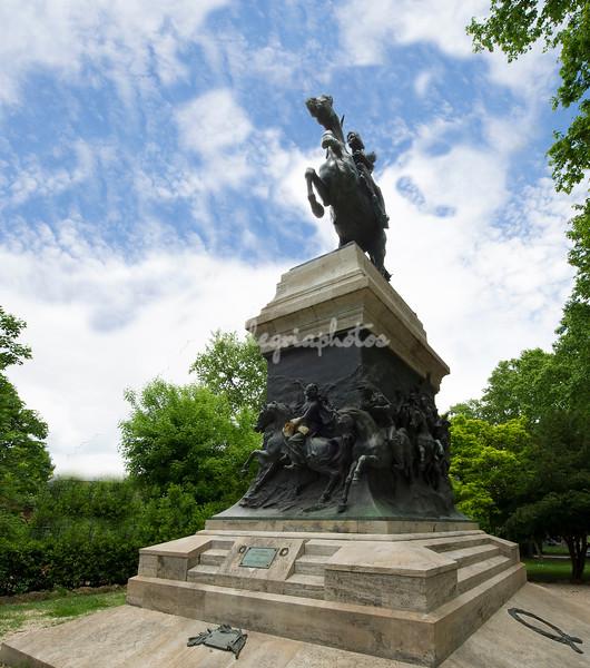 Statue of Anita Garibaldi, Gianicolo
