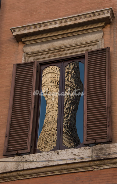 Reflections, Piazza Colonna