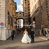 Bride and Groom stroll towards Campidoglio