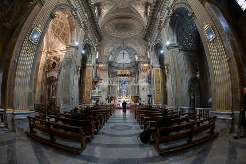 Sant'Eustachio interior
