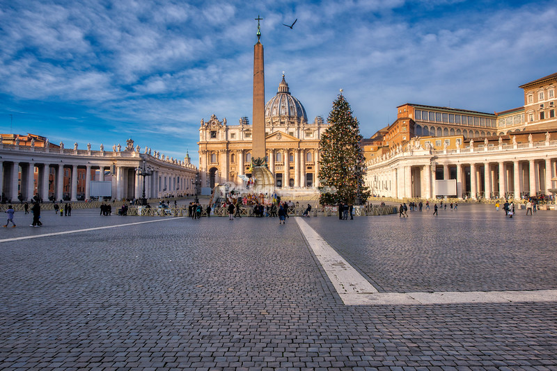 St Peters Square with the Christmas Tree and Presepio