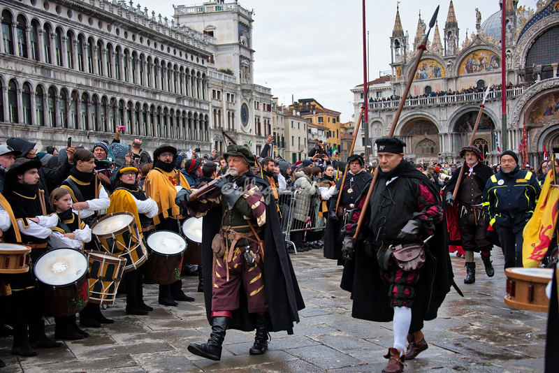 Pikes and crossbows in St. Mark's Square