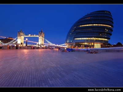 UK - England - London - City Hall & Tower Bridge - Suspension & bascule bridge over the River Thames - Iconic symbol of London   Camera Model: Canon EOS 5D Mark II; Lens: 17.00 - 40.00 mm; Focal length: 22.00 mm; Aperture: 13; Exposure time: 32.0 s; ISO: 100