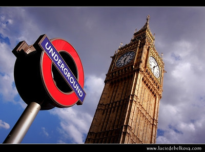 UK - England - London - Big Ben - One of London's best-known landmarks - Clock tower - The great bell of the clock at the north end of the Palace of Westminster in London   Camera Model: Canon EOS 5D Mark II; Lens: 28.00 - 300.00 mm; Focal length: 39.00 mm; Aperture: 10; Exposure time: 1/200 s; ISO: 125