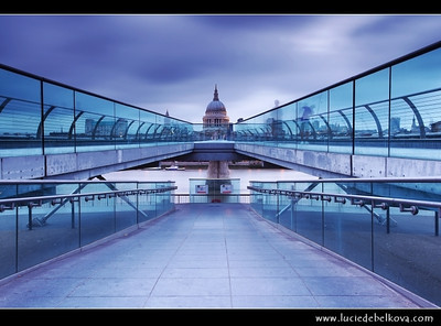 UK - England - Dusk at St. Paul's Cathedral and the Millennium bridge over the river Thames in London   Camera Model: Canon EOS 5D Mark II; Lens: 17.00 - 40.00 mm; Focal length: 32.00 mm; Aperture: 14; Exposure time: 20.0 s; ISO: 50