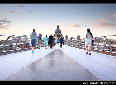 UK - England - Dusk at St. Paul's Cathedral and the Millennium bridge over the river Thames in London   Camera Model: Canon EOS 5D Mark II; Lens: 28.00 - 300.00 mm; Focal length: 35.00 mm; Aperture: 4.0; Exposure time: 1/50 s; ISO: 250