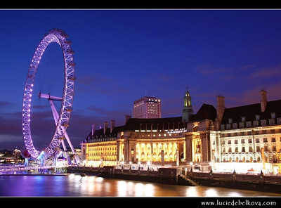 UK - England - London - London Eye - Millennium Wheel - Giant 135-metre (443 ft) tall Ferris wheel situated on the banks of the River Thames   Camera Model: Canon EOS 5D Mark II; Lens: 28.00 - 300.00 mm; Focal length: 35.00 mm; Aperture: 10; Exposure time: 32.0 s; ISO: 100