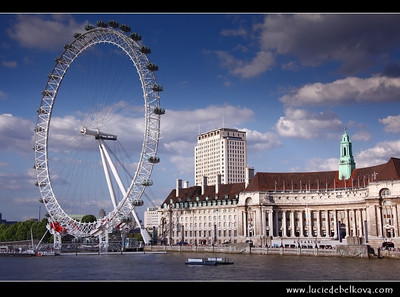 UK - England - London - London Eye - Millennium Wheel - Giant 135-metre (443 ft) tall Ferris wheel situated on the banks of the River Thames   Camera Model: Canon EOS 5D Mark II; Lens: 28.00 - 300.00 mm; Focal length: 50.00 mm; Aperture: 10; Exposure time: 1/200 s; ISO: 125