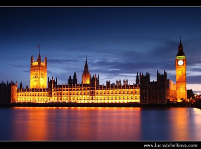 UK - England - London - Dusk over The Palace of Westminster, the Clock Tower - Big Ben and Westminster Bridge   Camera Model: Canon EOS 5D Mark II; Lens: 28.00 - 300.00 mm; Focal length: 35.00 mm; Aperture: 13; Exposure time: 32.0 s; ISO: 100