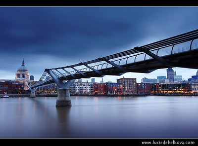 UK - England - Dusk at St. Paul's Cathedral and the Millennium bridge over the river Thames in London   Camera Model: Canon EOS 5D Mark II; Lens: 17.00 - 40.00 mm; Focal length: 28.00 mm; Aperture: 14; Exposure time: 20.0 s; ISO: 50