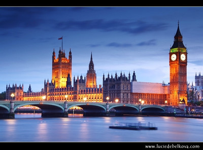 UK - England - London - Dusk over The Palace of Westminster, the Clock Tower - Big Ben and Westminster Bridge   Camera Model: Canon EOS 5D Mark II; Lens: 28.00 - 300.00 mm; Focal length: 70.00 mm; Aperture: 13; Exposure time: 32.0 s; ISO: 50