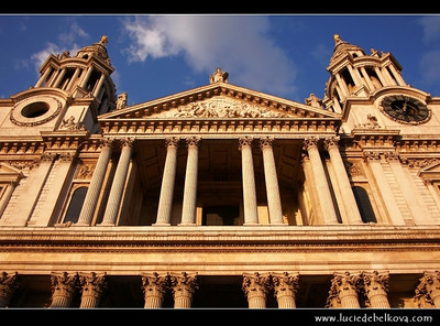 UK - England - London - St Paul's Cathedral - Anglican cathedral dedicated to Paul the Apostle - Located at the top of Ludgate Hill, the highest point in the City of London   Camera Model: Canon EOS 5D Mark II; Lens: 28.00 - 300.00 mm; Focal length: 33.00 mm; Aperture: 10; Exposure time: 1/250 s; ISO: 250
