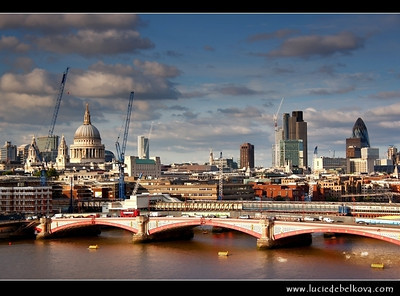 UK - England - London - City Skyline with St Paul's Cathedral - Anglican cathedral dedicated to Paul the Apostle - Located at the top of Ludgate Hill, the highest point in the City of London   Camera Model: Canon EOS 5D Mark II; Lens: 28.00 - 300.00 mm; Focal length: 65.00 mm; Aperture: 7.1; Exposure time: 1/160 s; ISO: 100
