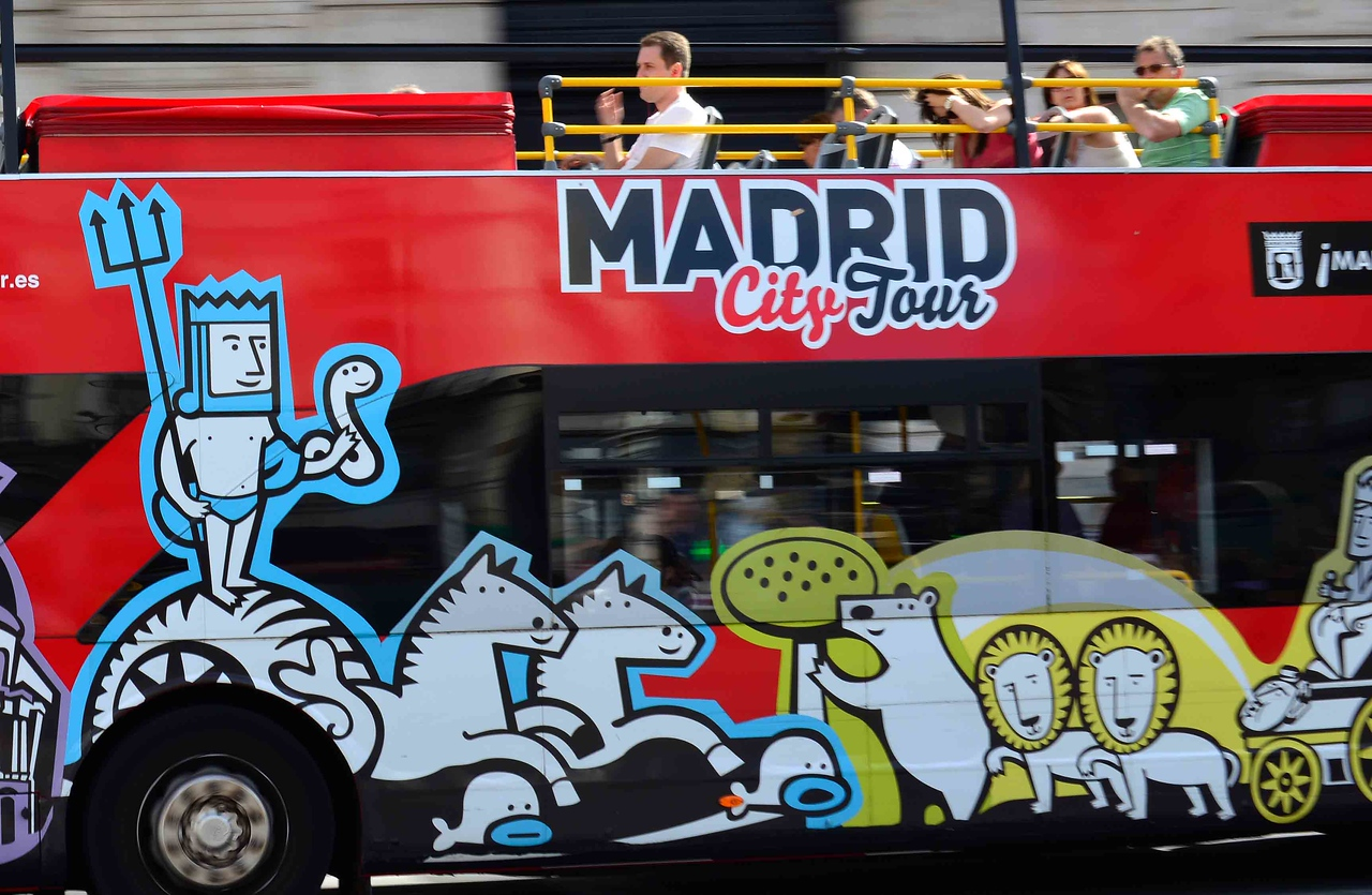 Open-top bus tours