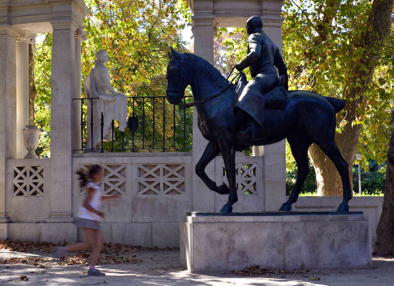 Buen Retiro statues