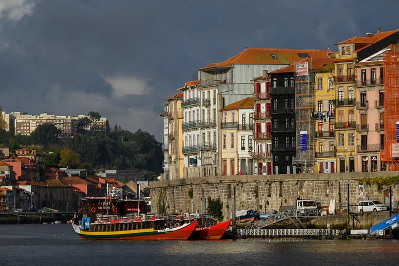 Porto's riverside, Douro River, Santa Marinha, Porto, Northern Portugal, Portugal