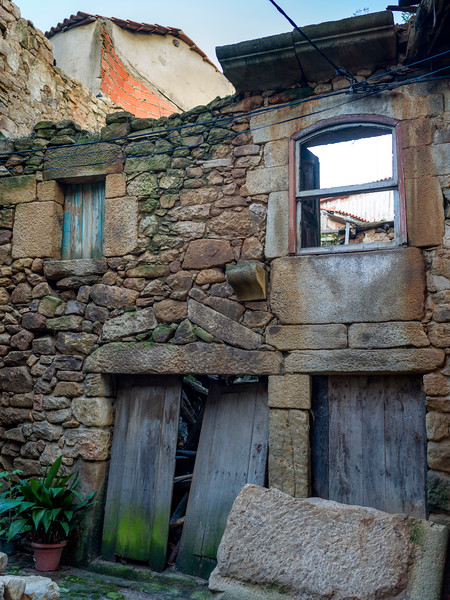 Facade of damaged building, Old Jewish Quarter, Salzedas, Douro Valley, Portugal