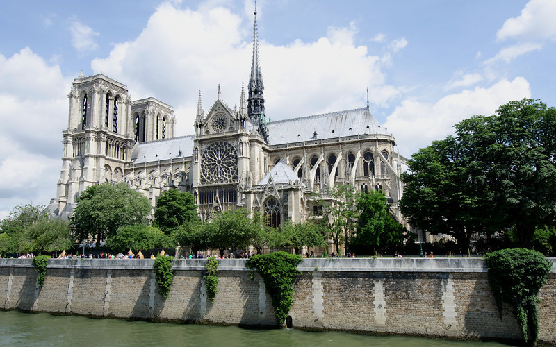 Notre Dame<br /> <br /> A little church in Paris!<br /> <br /> Paris, France