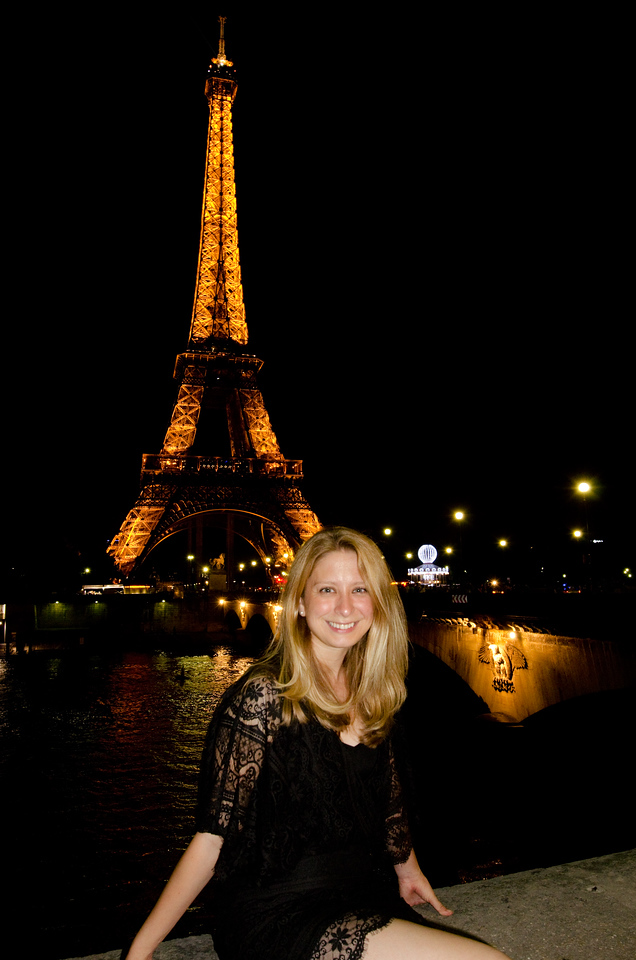 Sarah and Eiffel Tower