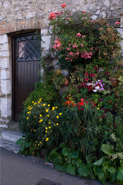 Flowery Door<br /> <br /> St. Paul, France