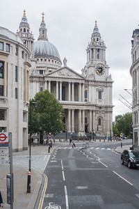 View of magnificent St. Paul Cathedral. It sits at top of Ludgate Hill - highest point in City of London. Cathedral was built by Christopher Wren between 1675 and 1711.