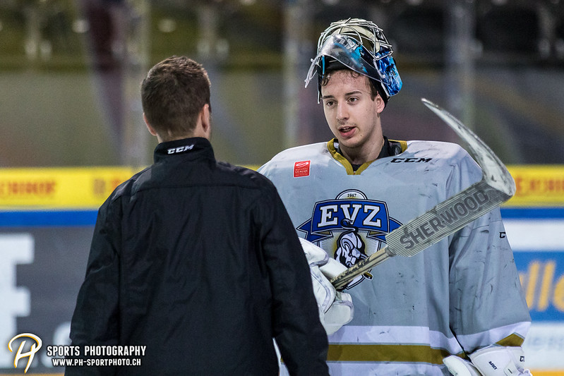 National League / Swiss League: EV Zug Training