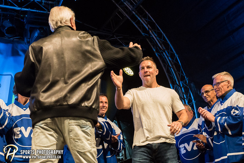 EVZ-Volksfest - Präsentation 1. Mannschaft des EV Zug und EVZ Legenden - Bild-ID: 201709020414