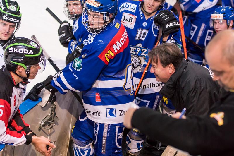 Elite A Junioren 2014/15 - Der EV Zug gewinnt gegen den HC Davos 5:2