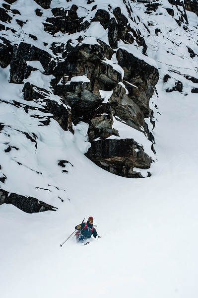 skier: Emmanuel Demers Location : Roger Pass, Forever Young Couloir