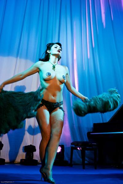 """SCARLETT MARTINI<br /> <br />  <a href=""""http://www.myspace.com/scarlettmartini"""">http://www.myspace.com/scarlettmartini</a>"""