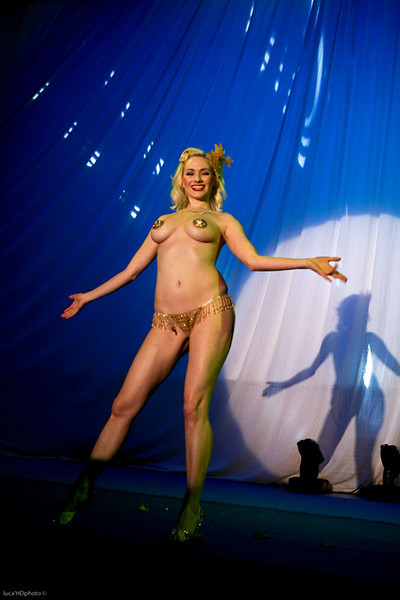"""TARA MI SIOUX<br /> <br />  <a href=""""http://www.myspace.com/"""">http://www.myspace.com/</a> TaraMiSioux"""