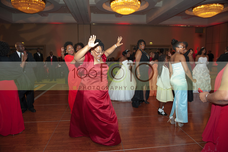 2013 DST EMINENCE POST GALA PGM-037