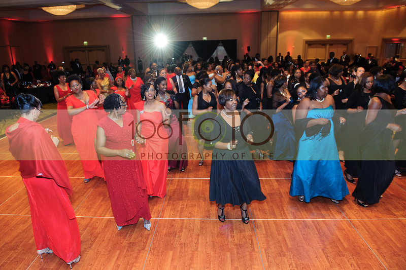 2013 DST EMINENCE POST GALA PGM-006