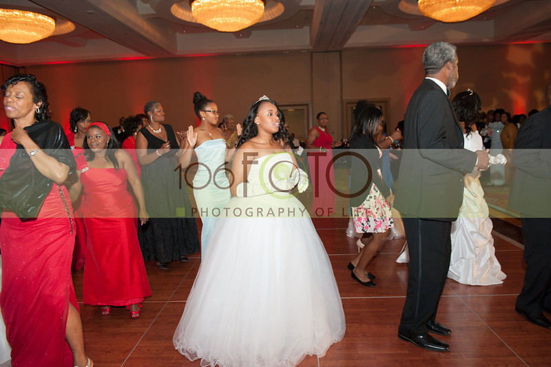 2013 DST EMINENCE POST GALA PGM-022