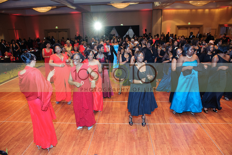 2013 DST EMINENCE POST GALA PGM-004
