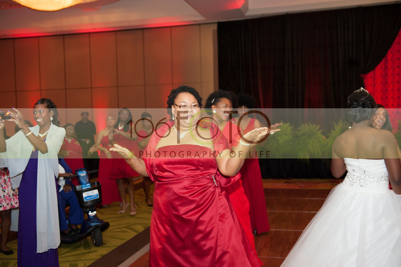 2013 DST EMINENCE POST GALA PGM-035