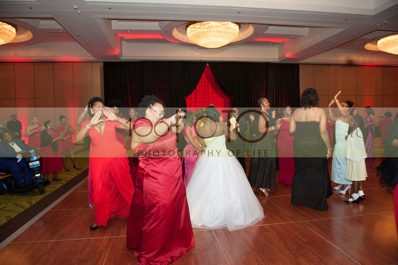 2013 DST EMINENCE POST GALA PGM-036